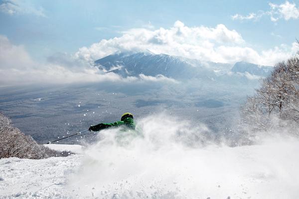八幡平渡假中心PANORAMA滑雪場&下倉滑雪場