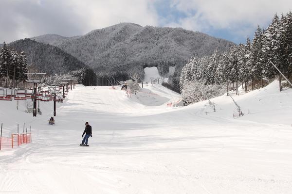 伊吹之里滑雪場