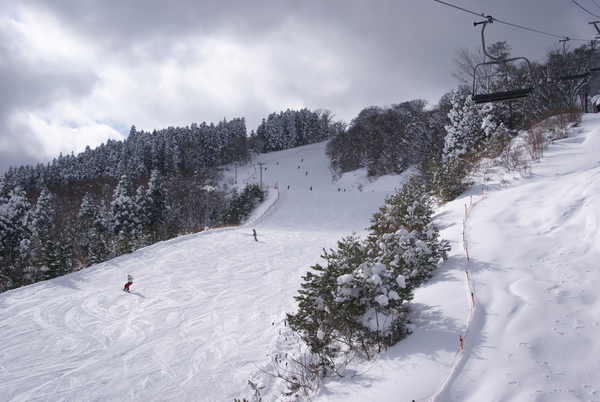 女鹿平溫泉 MEGAHIRA滑雪場