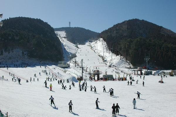 天山滑雪場