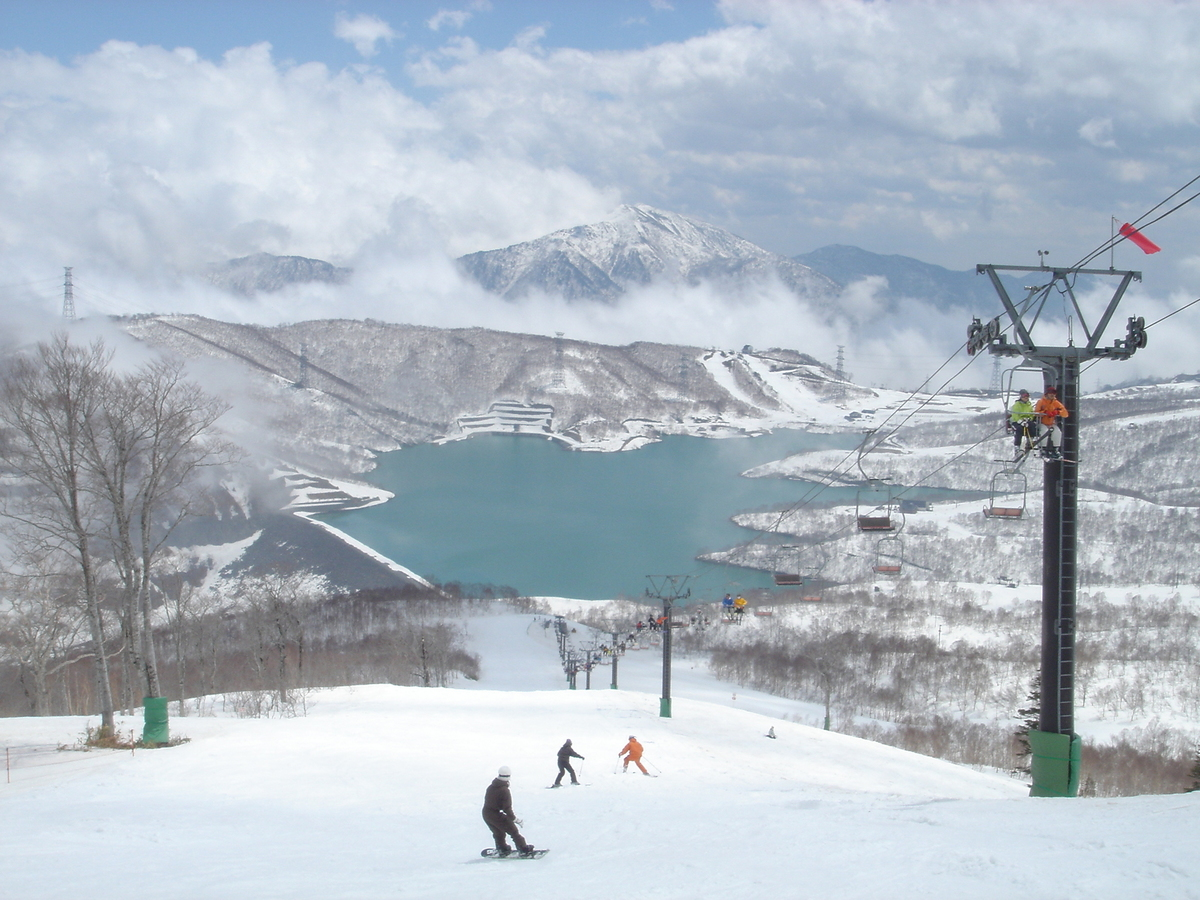 かぐら 積雪 場 みつまた スキー